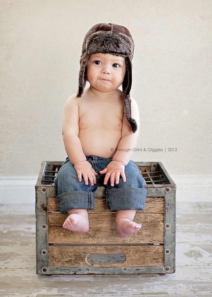 6 month old - Louisa's newborn picks were taken in a milk crate, could be cute to do this for 6 and then a year.