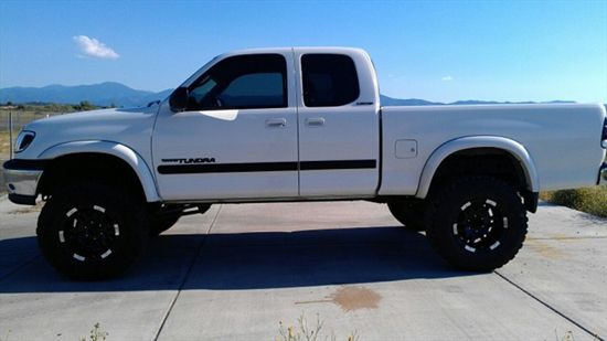 Featured Truck - Black and White Custom 2000 Toyota Tundra