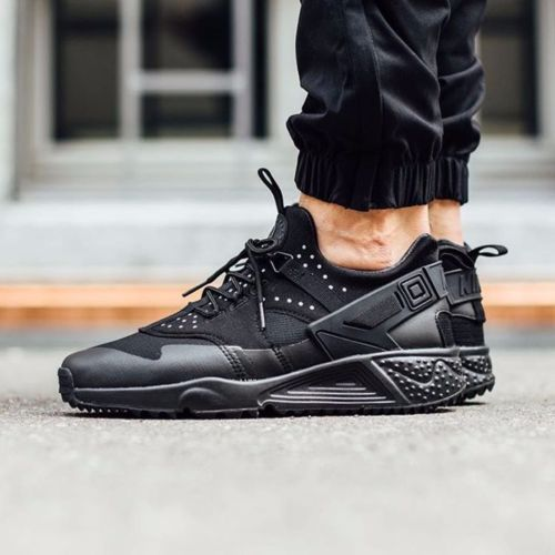 online retailer 52a0c 0d341 NIKE-AIR-HUARACHE-UTILITY-806807-004-TRIPLE-ALL-BLACK-MENS-SZ-10-5 ...