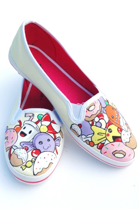 Adorable hand painted shoes