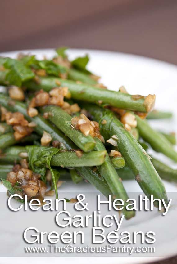 Clean Eating Garlicy Green Beans with Shallot  Got a recipe like this fro Jim Ellis' wife! Yum!!