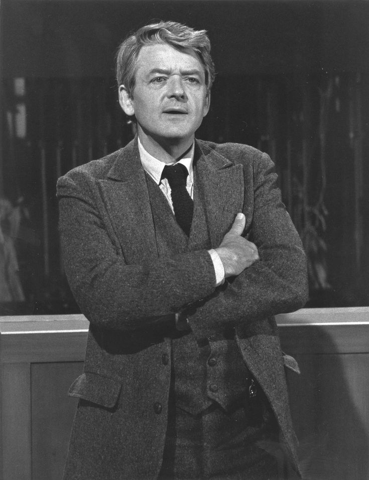 """Actor, SSgt Hal Holbrook US Army (Served 1942-1946) Short Bio: During World War II, Holbrook served in the Army in Newfoundland. After the war, he attended Denison University, graduating in 1948. While at Denison, Holbrook's senior honors project concerned Mark Twain. He'd later develop """"Mark Twain Tonight"""", the one-man show in which he impersonates the great American writer Mark Twain, a.k.a. Samuel Clemens. http://army.togetherweserved.com/profile/344577"""
