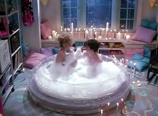 95 best the unusual jacuzzi images on pinterest for Romantic bathroom designs for couples