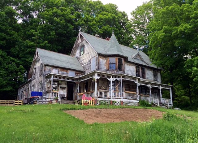 A Whole Bunch of Amazing Fixer Uppers North of New York City   CIRCA Old. 1871 best Fun Old Fixer Uppers images on Pinterest   Real estate