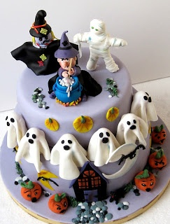 halloween cake that witch is adorable - Halloween Decorated Cakes