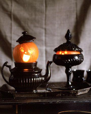 boo!  i seeee you: Pumpkin Ideas, Halloween Decor, Teas Pots, Halloween Pumpkin, Pumpkin Carvings, Halloweendecor, Martha Stewart, Peek A Boo, Black Glass