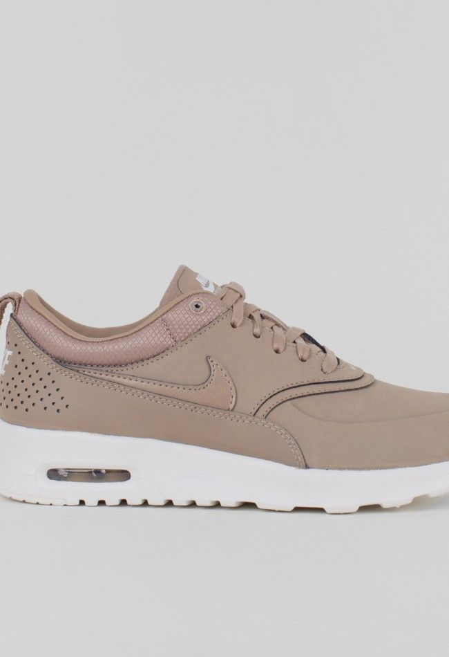 the best attitude b0b09 c8eb9 Ladies shoes on Pinterest   Roshe Run, Training Shoes and Air Max 90