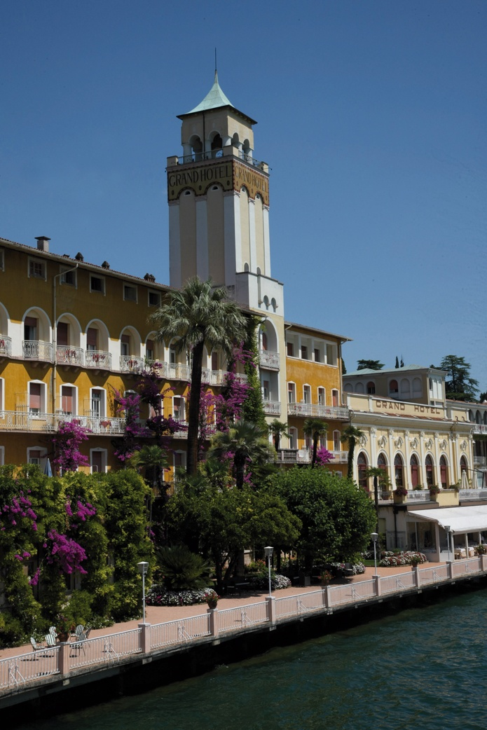 Grand Hotel Gardone direct on Lake Garda #lagodigarda #parco #historichotel