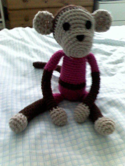 Amigurumi monkey. Really easy to do!