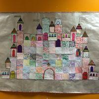 Chaque enfant a choisi un graphisme qu'il a tracé sur un carré blanc de feuille cartonnée.