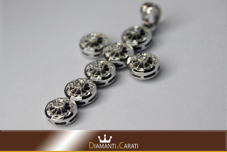 Ciondolo Oro bianco Croce con Diamanti