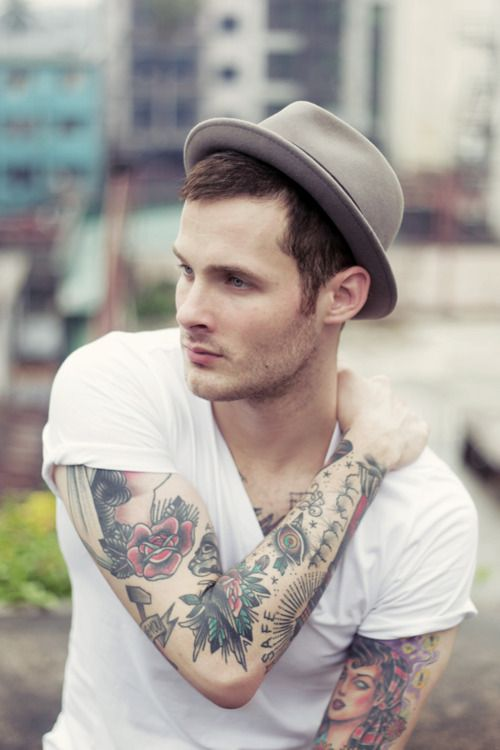 I wish I could just wear a v-neck white t-shirt and totally pull it off like this