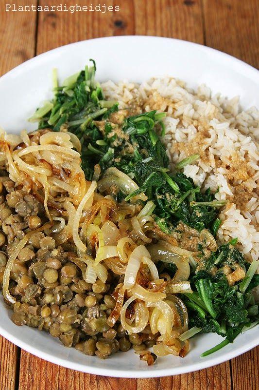 Plantaardigheidjes: Kruidige linzen, groentes en bruine rijst