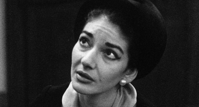 Em meados da década de 1950, o Teatro Scala de Milão era incontestavelmente o principal palco de ópera do mundo. Por um motivo: a diva, prima-dona absoluta, Maria Callas. Nenhuma outra cantora de ópera do século 20 foi tão idolatrada. E, ao mesmo tempo, tão odiada. Quanto maior sua fama, mais...