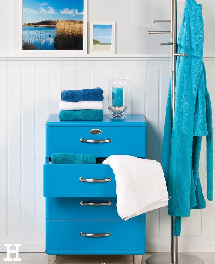 Ein Stuck Pazifikstrand Im Badezimmer Dieser Badschrank In Meeresblau Bringt Jeden Morgen Urlaubsstimmung Badezimmer Einrichtung Badezimmerideen Badezimmer