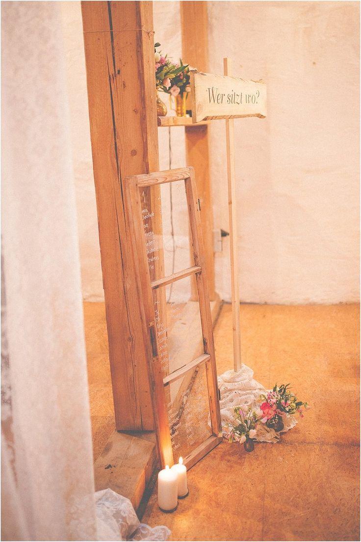 Idee Sitzplan Fenster rustikal. Von Anmut und Sinn. Foto: Anija Schlichenmaier