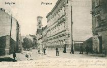 Ul. Zamoyskiego widoczny stary kościół przy Rynku Podgórskim