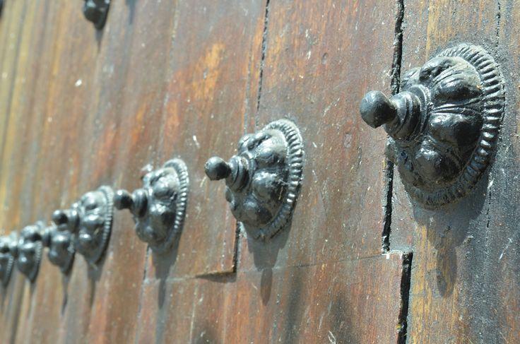 Detalle puerta catedral Bogotá  By vero Aristizabal