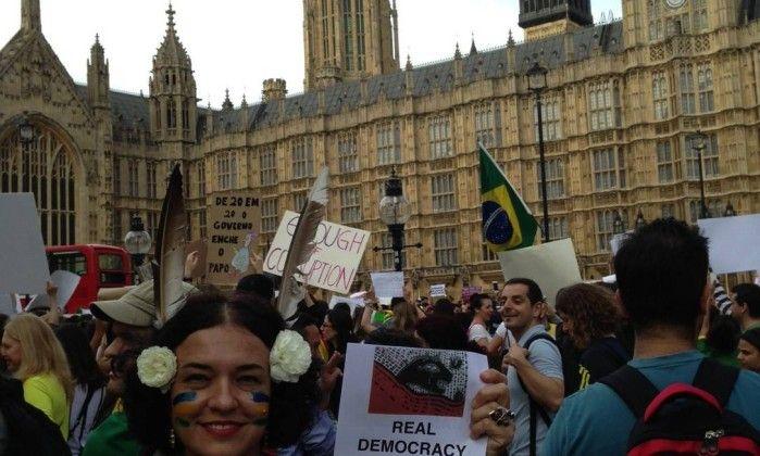 Há 23 anos em Londres, a ex-líder estudantil Marcia Mar, hoje artista plástica, diz que as coisas têm custado a mudar desde a ditadura Foto: Vivian Oswald