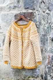 Bøvertun i gult. Link til gammel gratisoppskrift her:http://www.sandnesgarn.no/bovertun