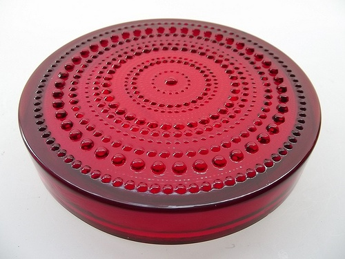 "Nuutajarvi ""Kastehelmi"" red glass bowl by Oiva Toikka"