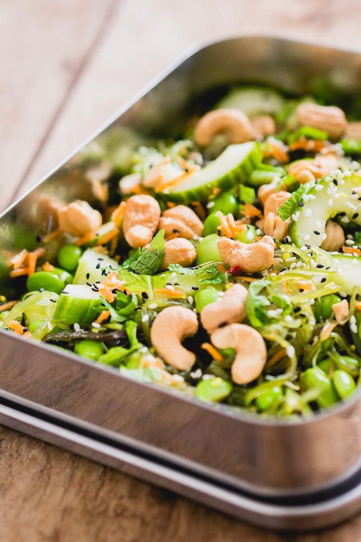 Als je wel eens sushi hebt gegeten ken je zeewiersalade vast wel, deze salade krijg je namelijk vaak als bijgerecht. Het is wat mij betreft een van de beste onderdelen …
