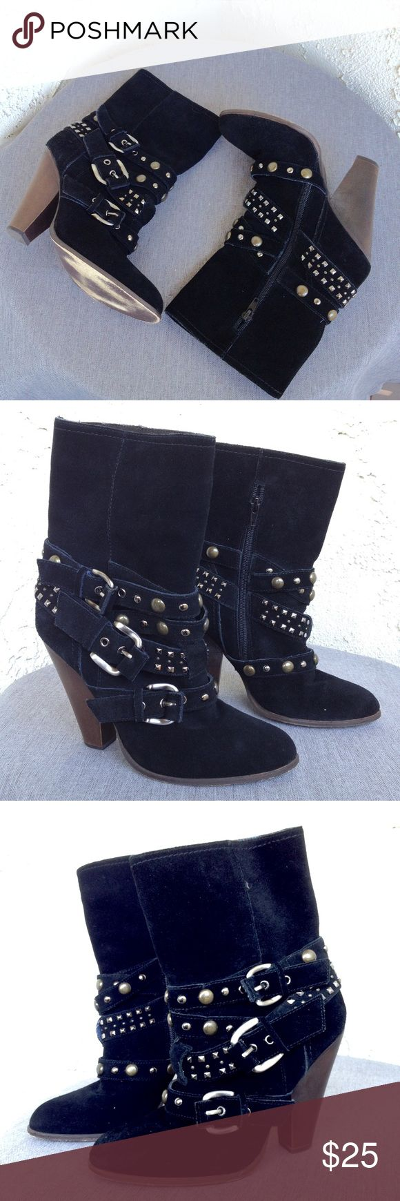 Steve Madden Black Leather Studded Ankle Boots 7.5 Gorgeous black leather stud embellished heeled booties by Steve Madden! Great condition - please see photos. Size 7.5!  Stock Number: Bin 12 Steve Madden Shoes Heeled Boots