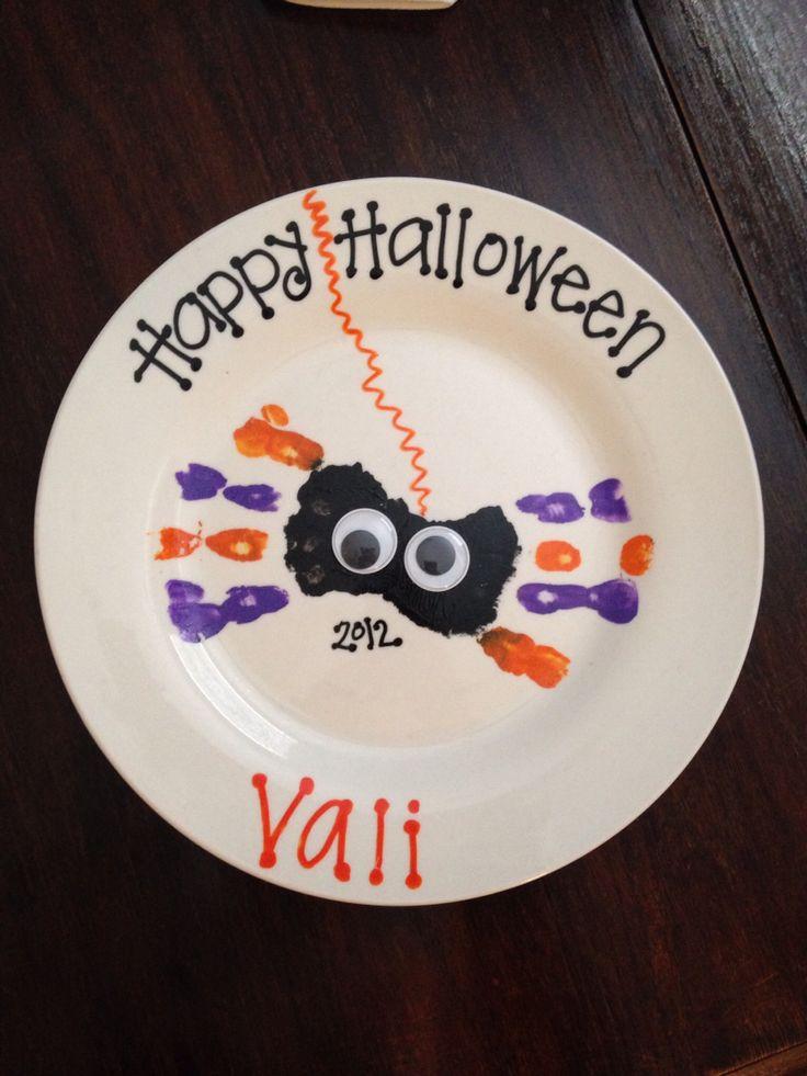 Halloween handprint spider. Vali (pre-k3)