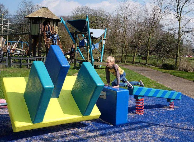 Nieuw in Linnaeushof: een hindernisbaan voor grotere kinderen!