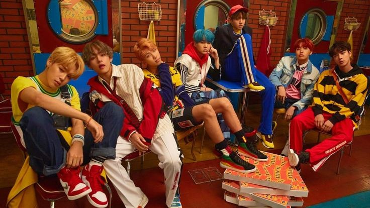 """BTS's """"Love Yourself: Her"""" Sets New Gaon Chart Record In 16 Years With 1.2 Million Albums Sold"""