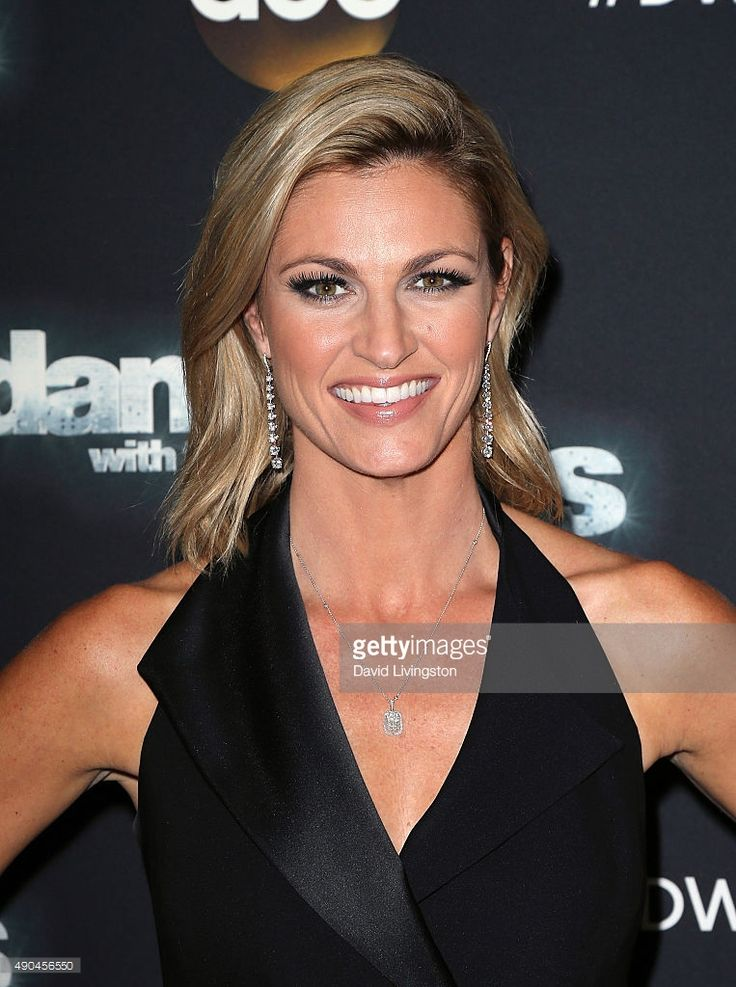 TV personality Erin Andrews attends 'Dancing with the Stars' Season 21 at CBS Televison City on September 28, 2015 in Los Angeles, California.