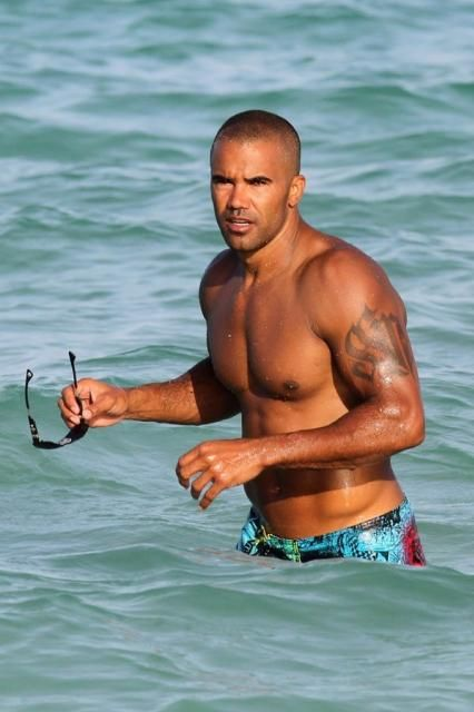 Shemar-Moore-a-Miami-le-2-juillet-2012_portrait_w674.jpg Photo:  This Photo was uploaded by MISSNANSE. Find other Shemar-Moore-a-Miami-le-2-juillet-2012_...