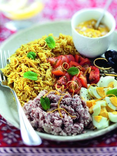 moutarde, riz, échalote, oeuf, tomate, câpres, huile d'olive, curry, olives…