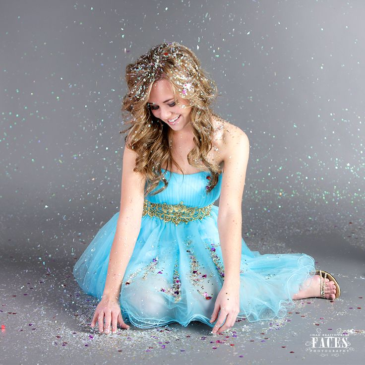 Every Girl Should do a Glitter Photo Shoot