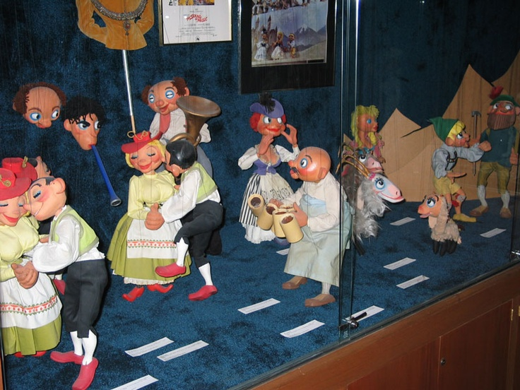 how to make sound of music marionettes
