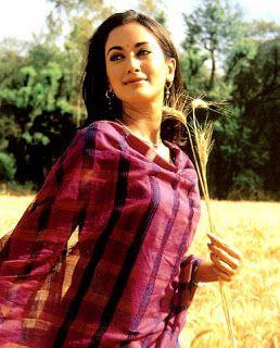 Gayatri Joshi. I need this Duppata now.