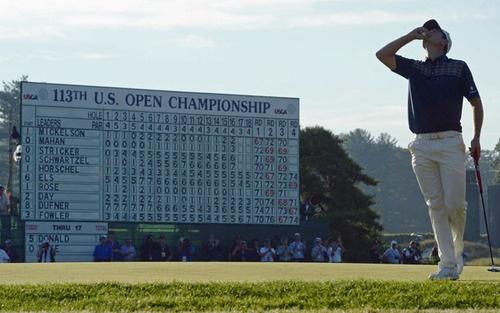 Justin Rose in front of scoreboard at US Open! #golf #justinrose #usopen #pga #majorchampionship