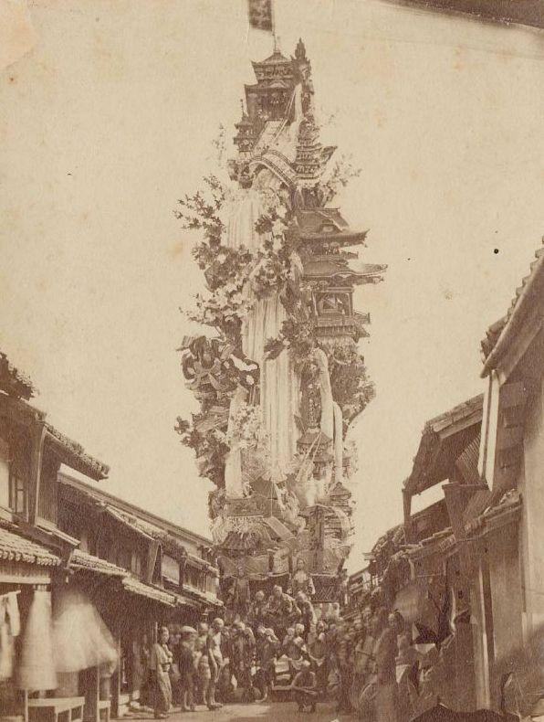 山車。1871年(明治3年) に博多で撮影された写真。 http://japan.digitaldj-network.com/articles/6025.html