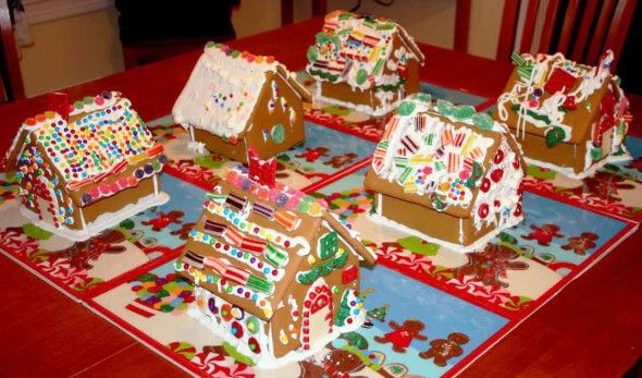 gingerbread_house_party_17