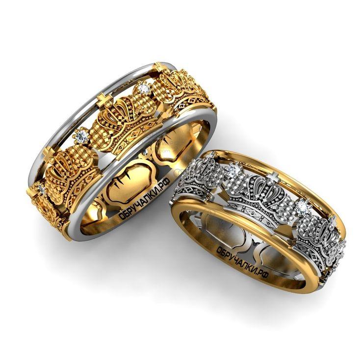 Широкие парные венчальные кольца в виде корон с бриллиантами из комбинированного золота