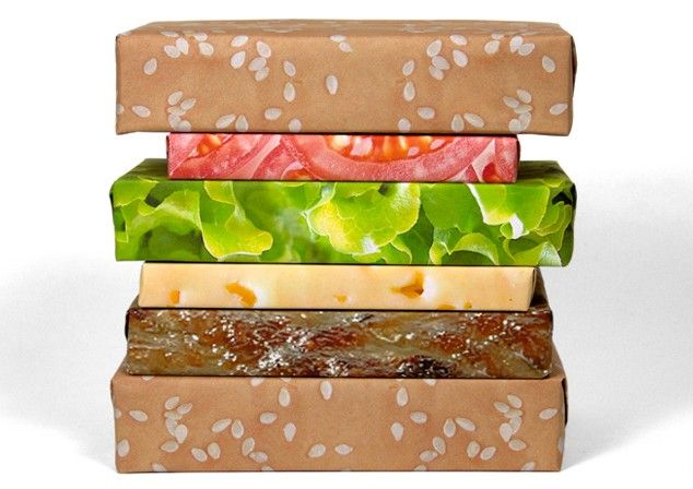 Cheeseburger wrapping paper.: Wrapping Papers, Gifts Ideas, Awesome, Hamburg Wraps, Christmas, Gifts Wraps, Wraps Paper, Gifts Couture, Cheeseburgers Wraps