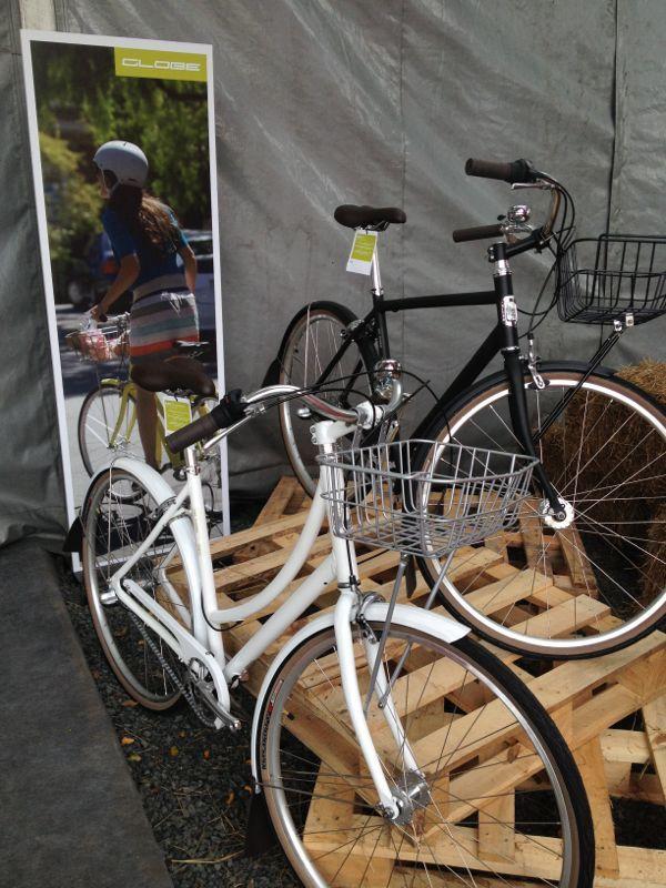 bici con canasta para comodidad de los riders de ciudad