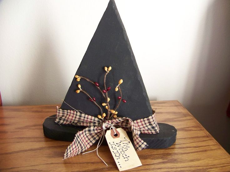 primitive wooden crafts | Primitive Wood Witch Hat with Burgundy and Black Band and Pip Berries