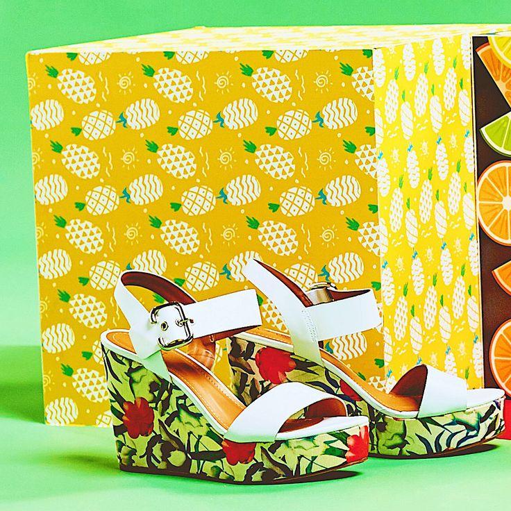 Для влюбленных в цветы ❤️🌺 Изящные босоножки на танкетке и воздушное платье в пастельных тонах – идеальный дуэт! ✨ Арт:VK56-095428/8 Цена: 3599 руб #respectshoes #iloverespect #shoes #ss17 #shopping #обувьреспект #шоппинг #лето #летовrespectshoes