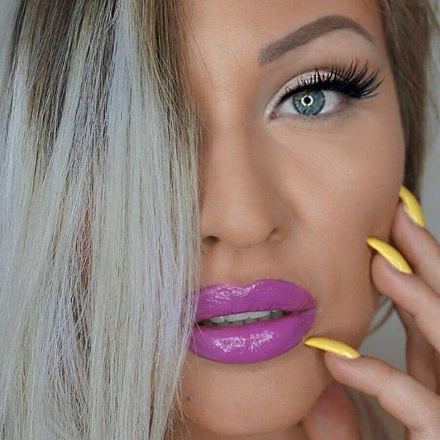 Keeping your week colourful! The talented @ivana.make.up in #WUNDERBROW Blonde. #RunwayBrows
