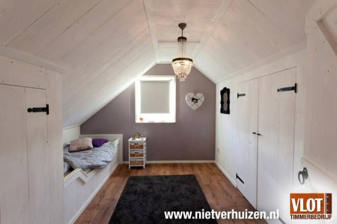 slaapkamer van houten planken