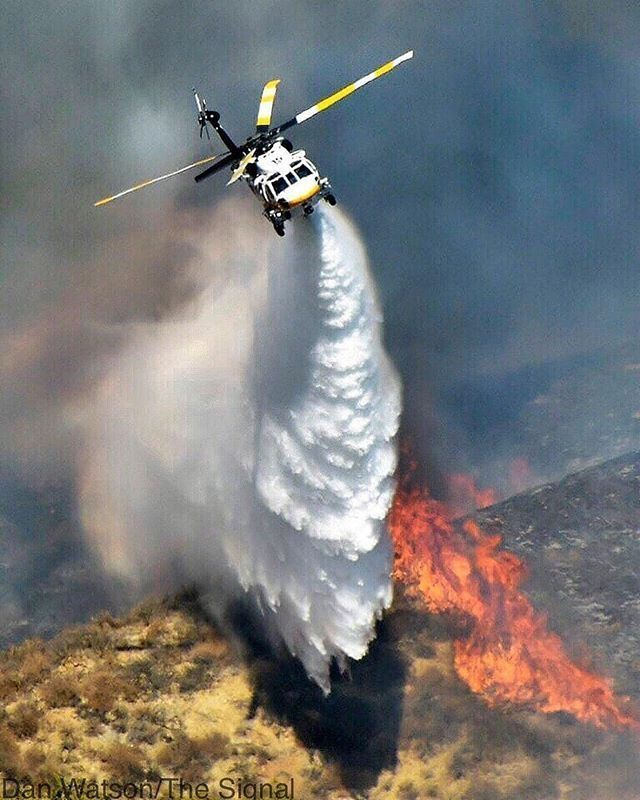 Helicopter Wildland Firefighter Near Castaic California Usa Wildland Firefighter Firefighter Wildland Fire