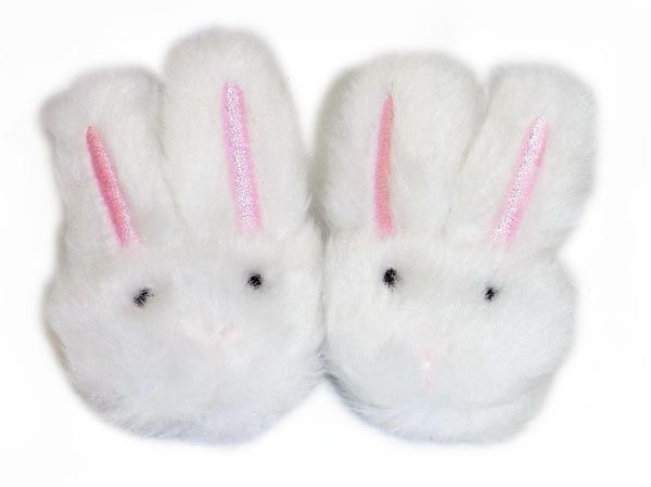 These cute bunny slippers from Sophia's® have an elastic strap at the back to hold the shoe onto dolly's foot.  Suitable for dolls with a foot measurement up to 65mm long and 35mm wide.