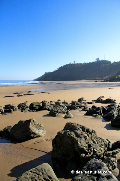 Playa Arenal de Morís Caravia. Playas Asturias [Más info] http://www.desdeasturias.com/playa-arenal-de-moris-asturias/