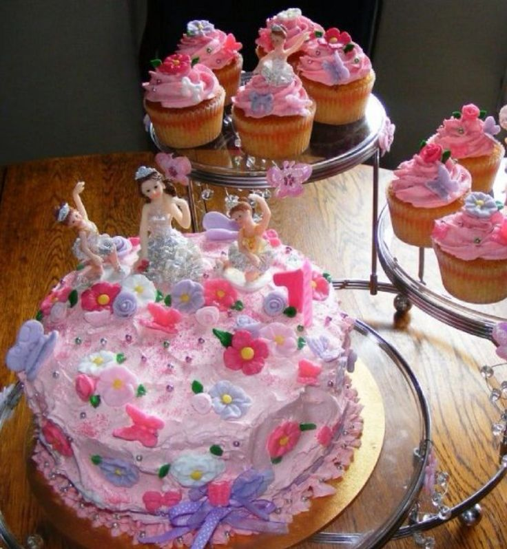 Sweat little girl birthday cake by Di aime